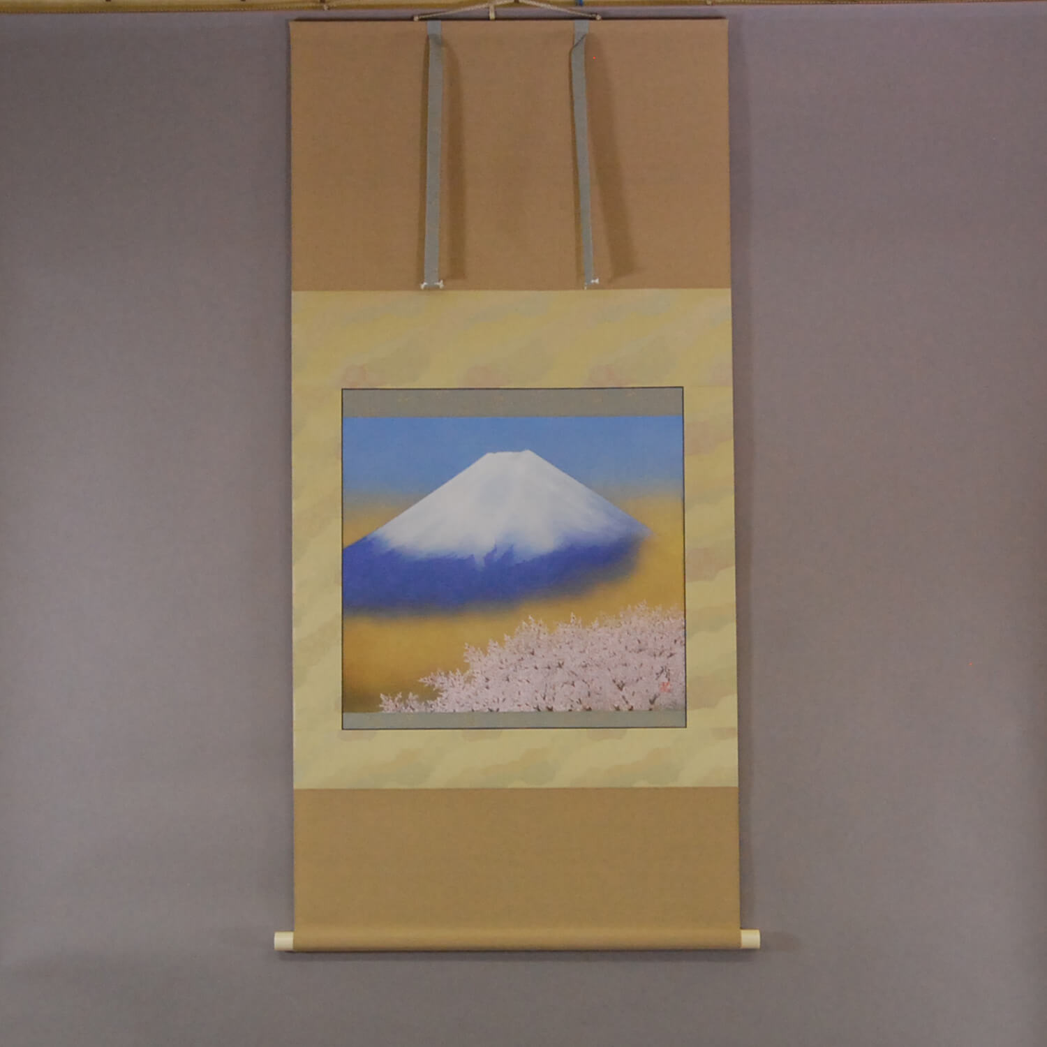Mt. Fuji and Cherry Blossoms / Tomo Katou